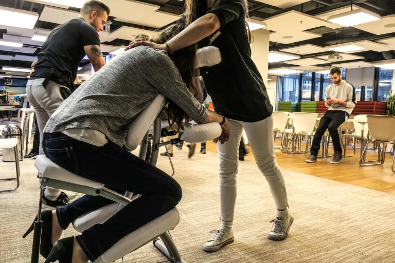 świadczenia dla pracowników jako masaż
